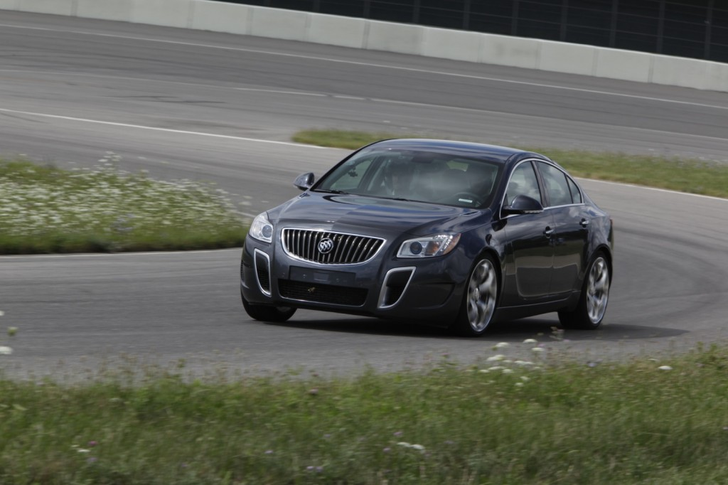 buick announces drivetrain changes for 2012 regal gs 2013 regal. Black Bedroom Furniture Sets. Home Design Ideas