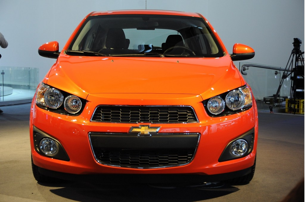 2012 chevy sonic priced from 14 495 400 more for hatchback. Black Bedroom Furniture Sets. Home Design Ideas