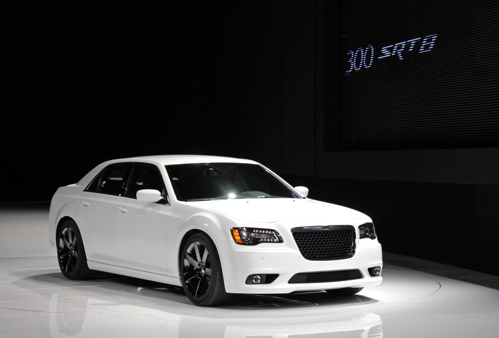 2012 chrysler 300 srt8 2011 new york auto show. Black Bedroom Furniture Sets. Home Design Ideas