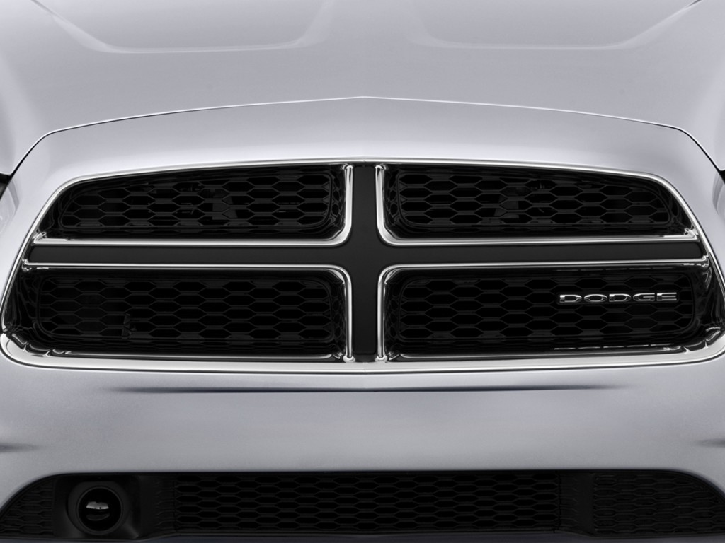 What Does Hov Lane Mean >> Image: 2012 Dodge Charger 4-door Sedan RT Max RWD Grille
