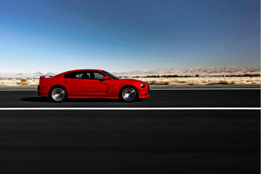 2012 dodge charger srt8 first drive. Black Bedroom Furniture Sets. Home Design Ideas
