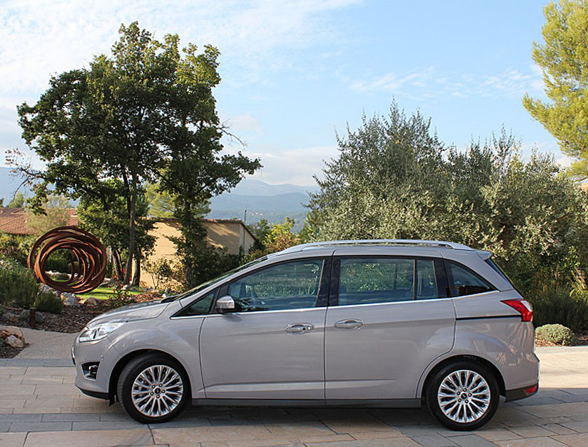 2012 ford c max live photos and video plus a magic seat. Black Bedroom Furniture Sets. Home Design Ideas