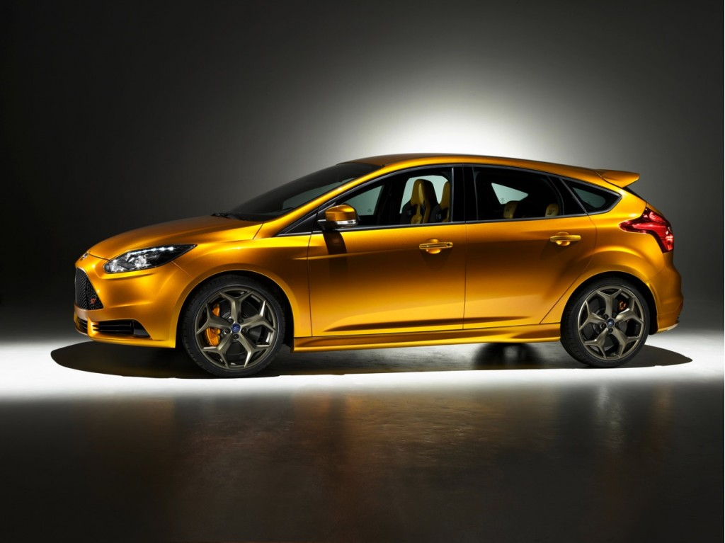 ford debunks 2012 focus coupe rumors via facebook. Black Bedroom Furniture Sets. Home Design Ideas