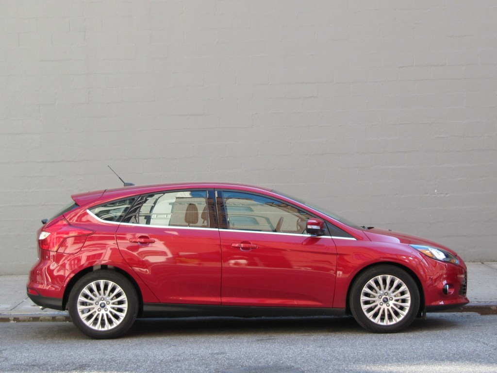 2012 ford focus titanium first drive review. Black Bedroom Furniture Sets. Home Design Ideas