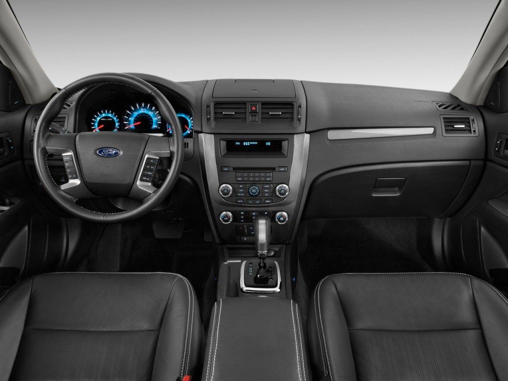 2012 Ford Fusion 4-door Sedan SPORT FWD Dashboard