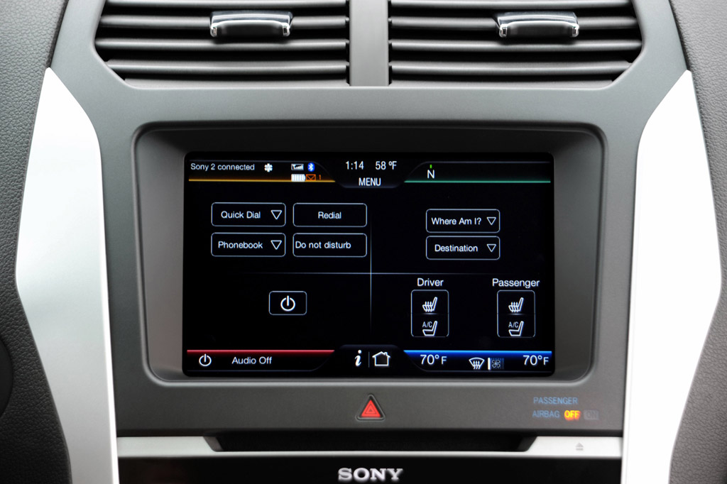2012 ford mustang gets sync applink voice control for. Black Bedroom Furniture Sets. Home Design Ideas
