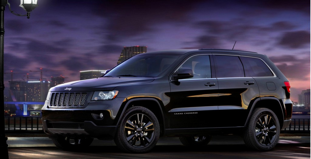 jeep gets high releases altitude edition grand cherokee compass patriot. Black Bedroom Furniture Sets. Home Design Ideas