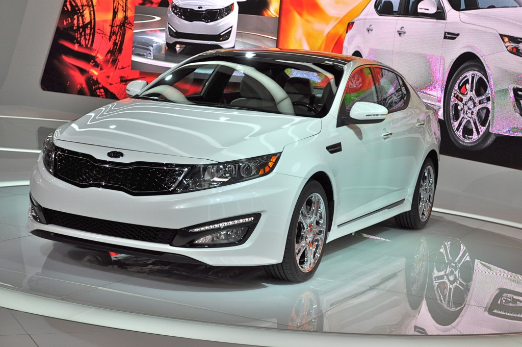 2012 kia optima sx limited 2012 chicago auto show. Black Bedroom Furniture Sets. Home Design Ideas