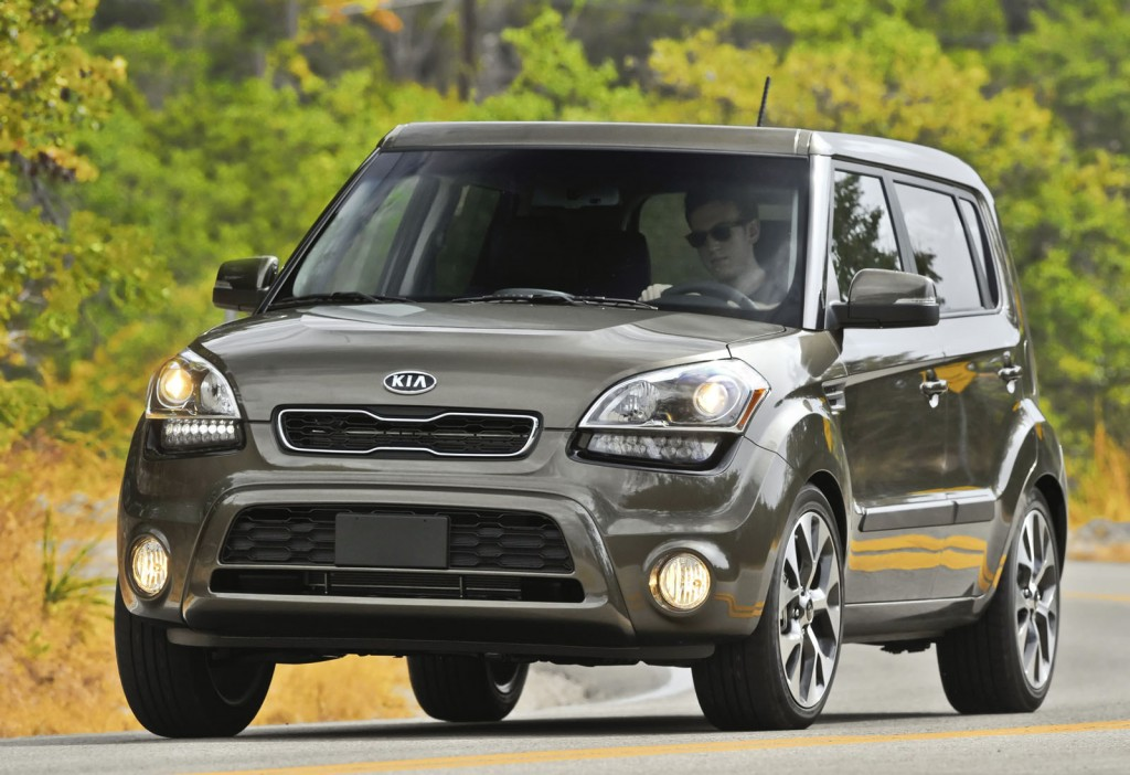 2012 kia soul pictures photos gallery green car reports. Black Bedroom Furniture Sets. Home Design Ideas