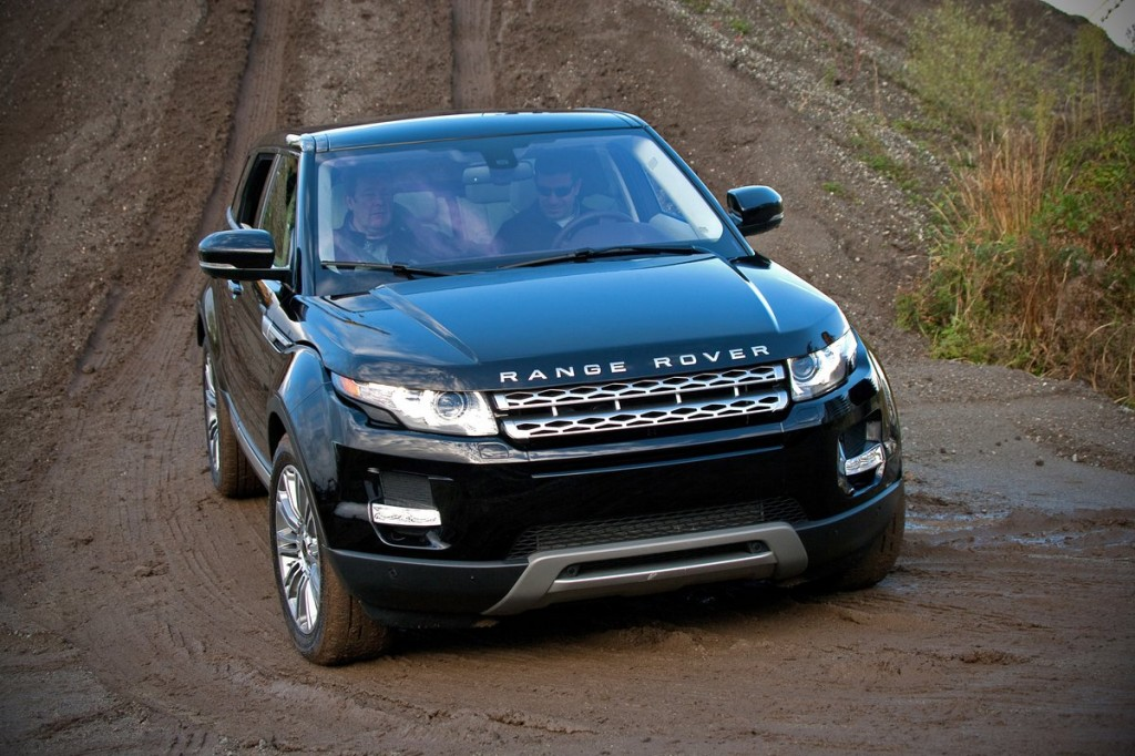 2012 land rover range rover evoque first drive off road. Black Bedroom Furniture Sets. Home Design Ideas