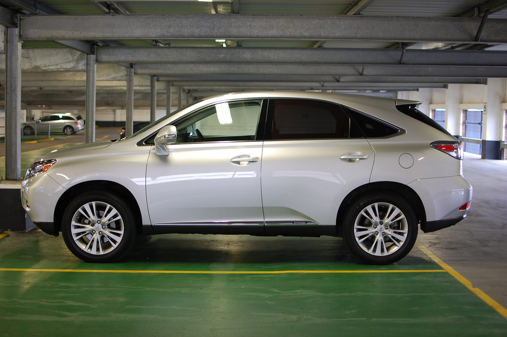 2012 Lexus RX 450h Pictures/Photos Gallery - MotorAuthority: http://www.motorauthority.com/photos/lexus_lexus-rx450h_2012