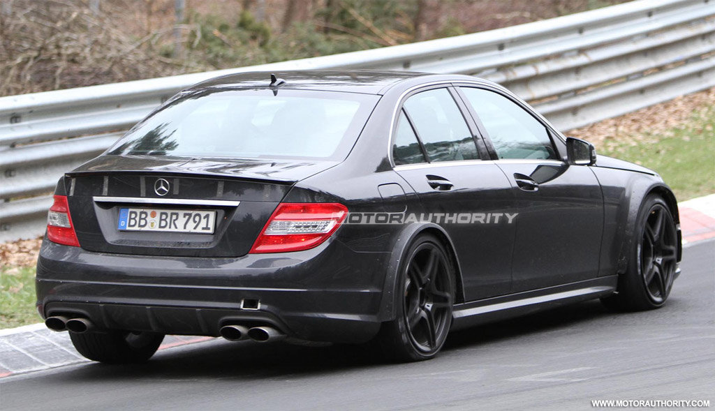 Spy shots 2012 mercedes benz c63 amg black series for Mercedes benz e series amg
