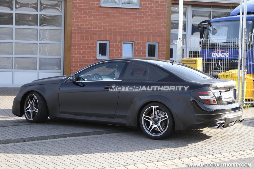 2012 mercedes benz c63 amg coupe black series spy shots - 2012 mercedes c63 amg coupe ...
