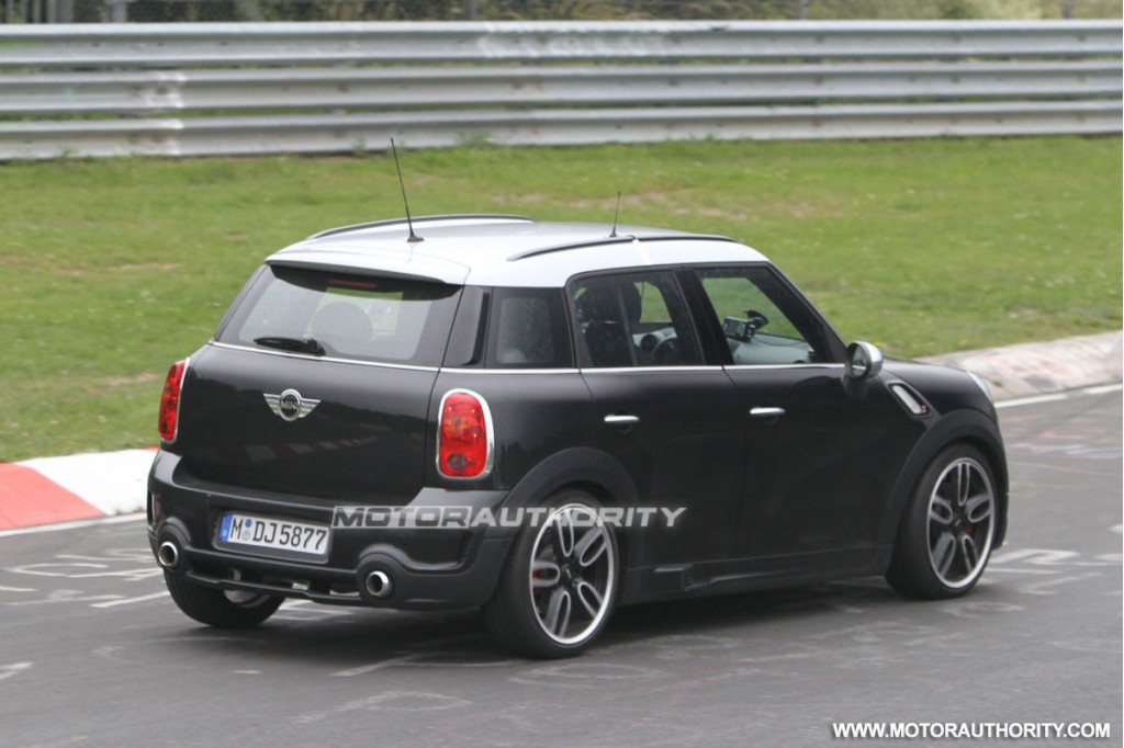 2012 mini countryman john cooper works spy shots. Black Bedroom Furniture Sets. Home Design Ideas