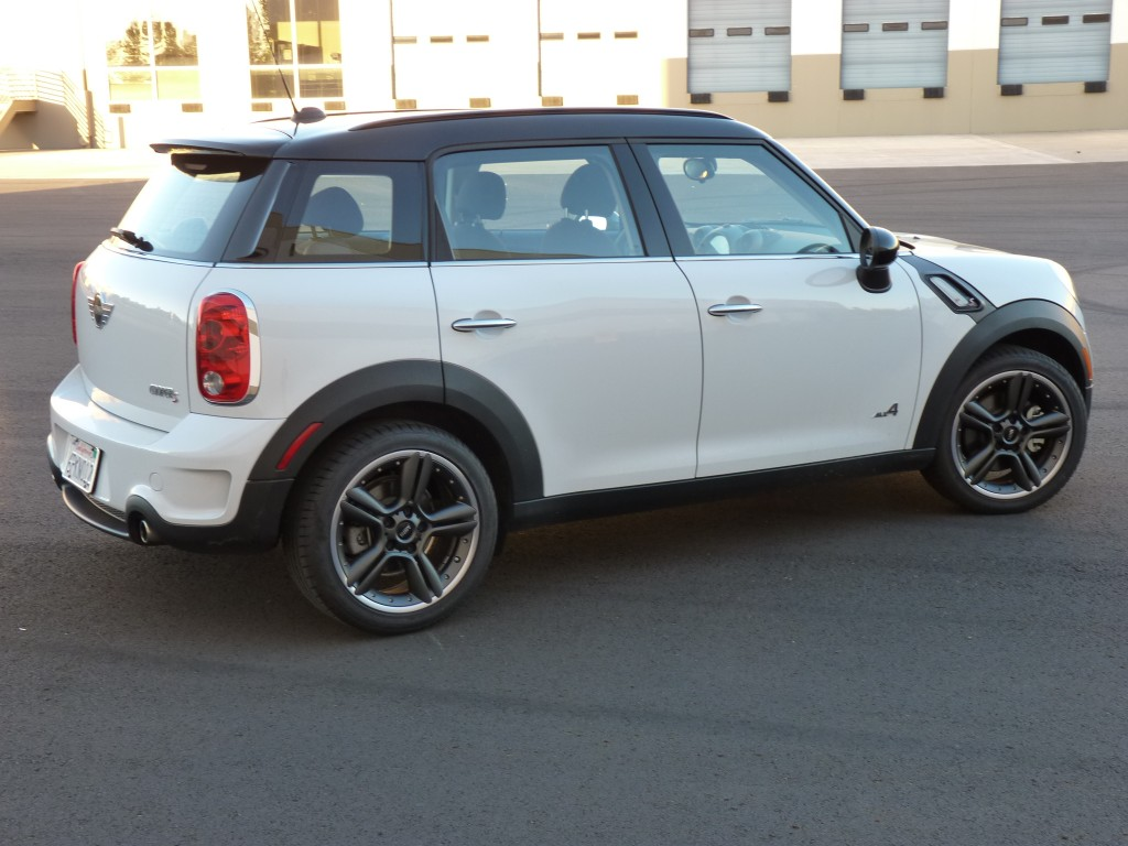 2012 mini cooper countryman pictures photos gallery motorauthority. Black Bedroom Furniture Sets. Home Design Ideas