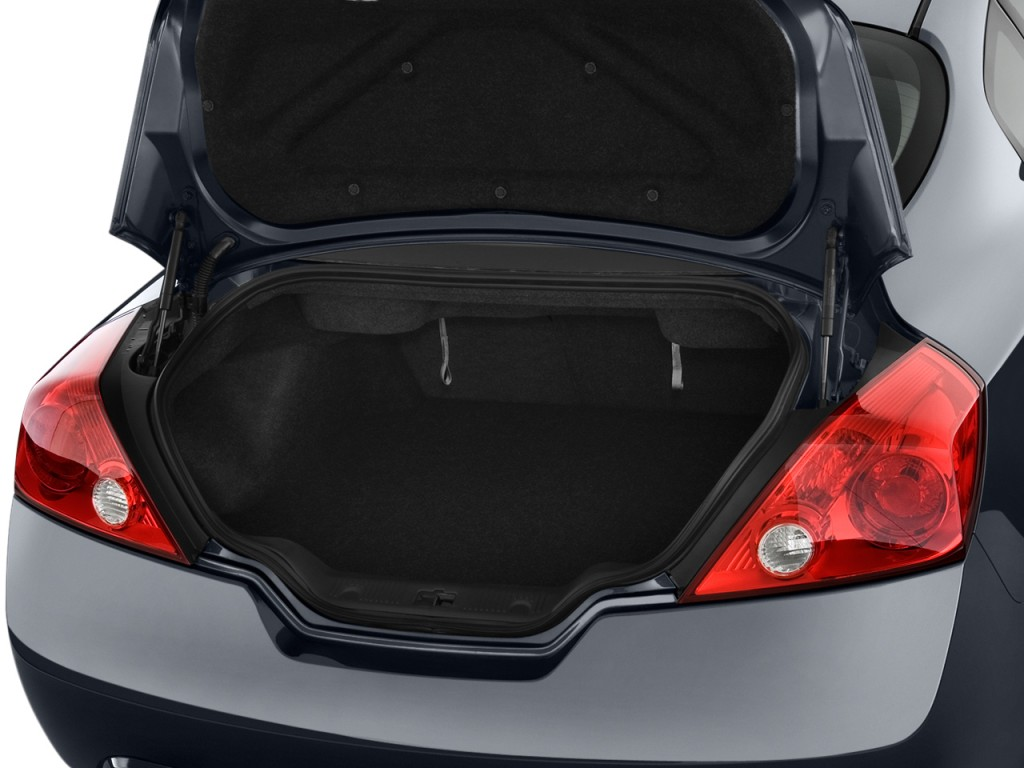 Image 2012 Nissan Altima 2 Door Coupe I4 Cvt 2 5 S Trunk