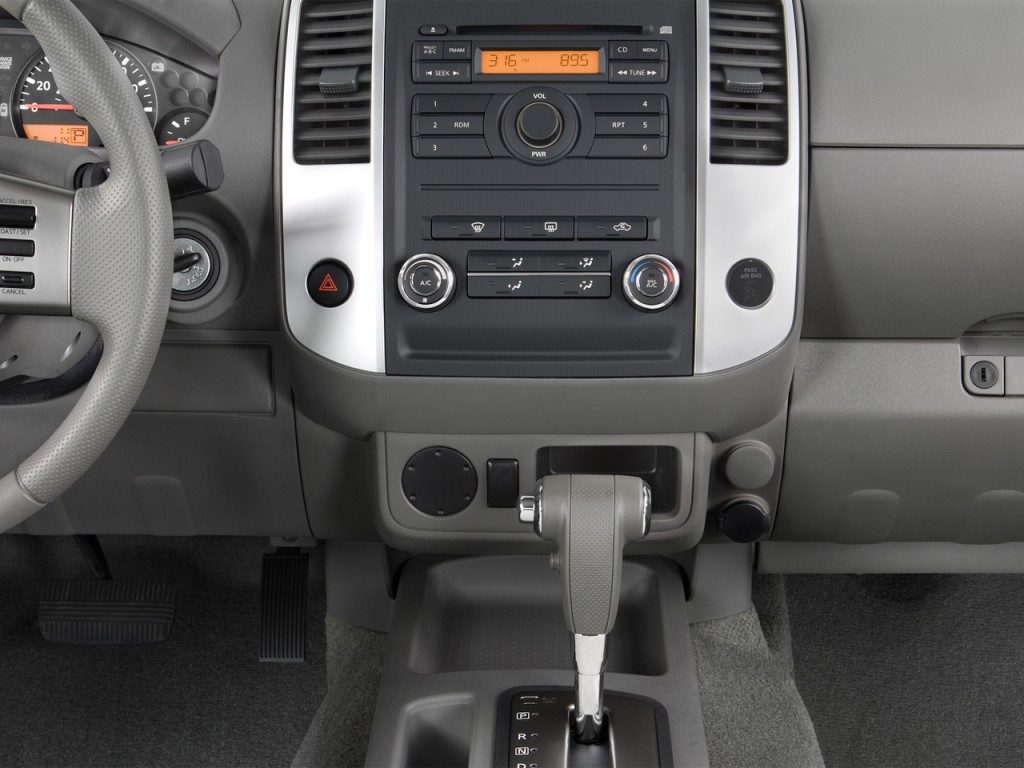 image 2012 nissan frontier 2wd crew cab swb auto sv. Black Bedroom Furniture Sets. Home Design Ideas