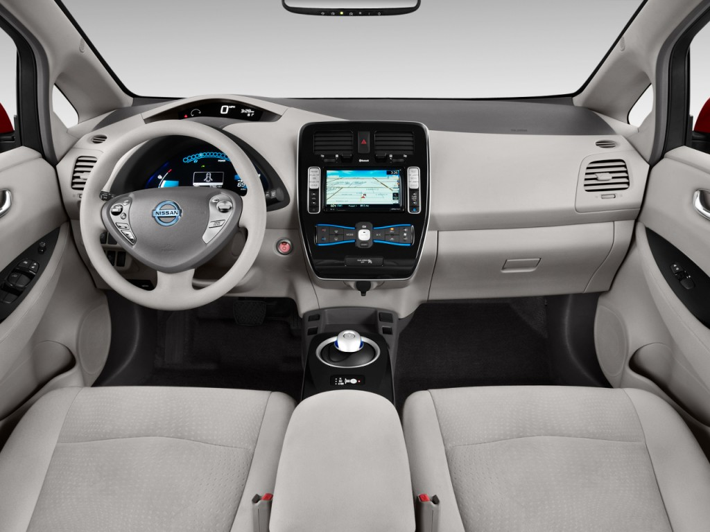 2012 Nissan Leaf 4-door HB SL Dashboard