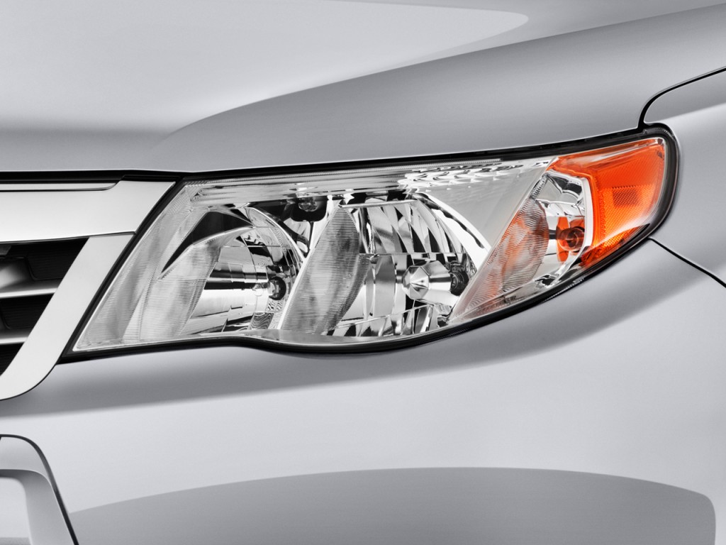 http://images.thecarconnection.com/lrg/2012-subaru-forester-4-door-auto-2-5x-headlight_100380322_l.jpg