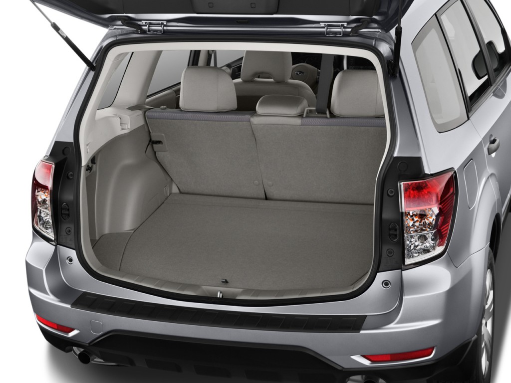 http://images.thecarconnection.com/lrg/2012-subaru-forester-4-door-auto-2-5x-trunk_100380330_l.jpg