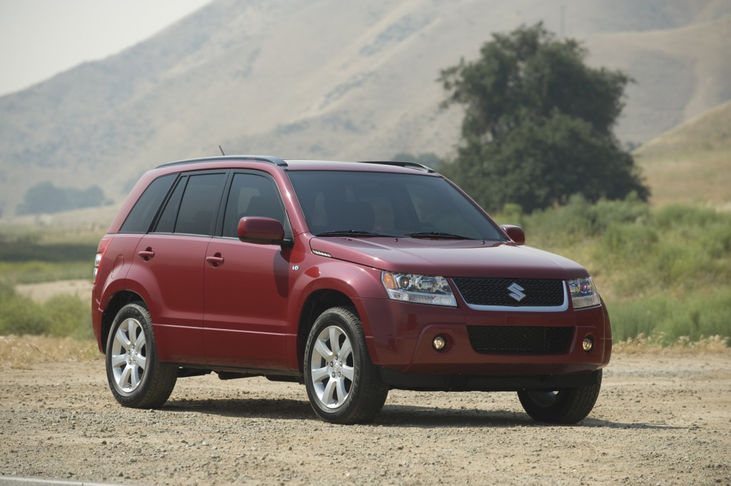 2012 suzuki grand vitara pictures photos gallery motorauthority. Black Bedroom Furniture Sets. Home Design Ideas