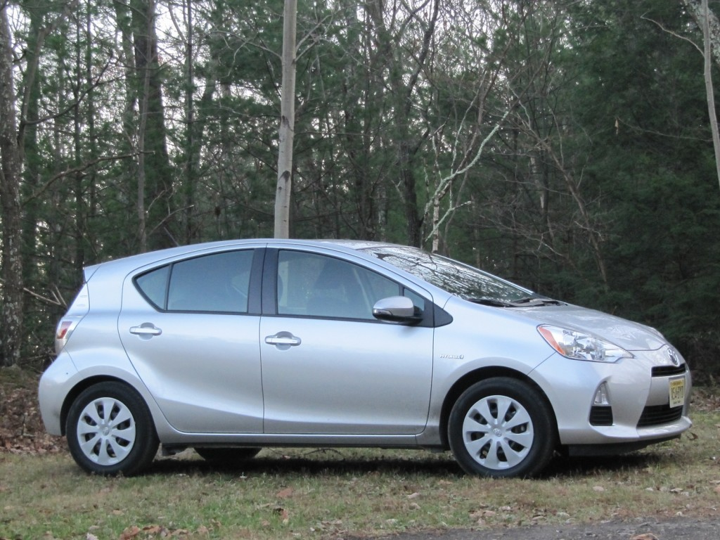 what is the gas mileage of a 2012 toyota prius. Black Bedroom Furniture Sets. Home Design Ideas