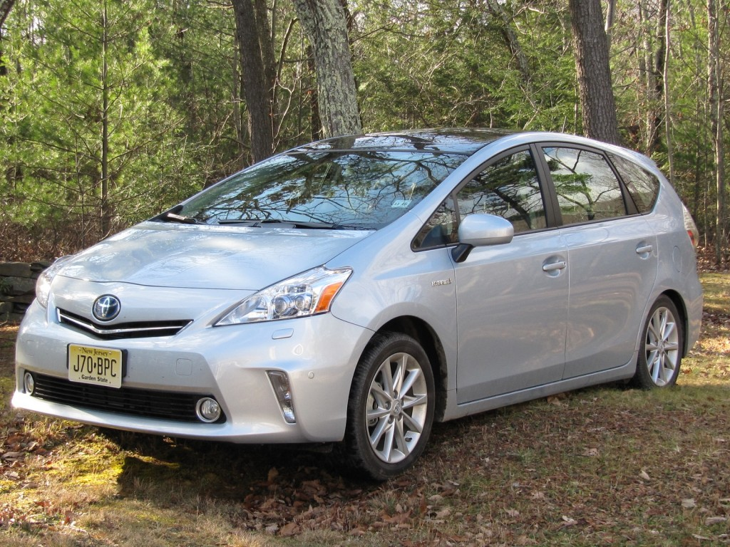 2012 toyota prius v hybrid wagon drive report. Black Bedroom Furniture Sets. Home Design Ideas