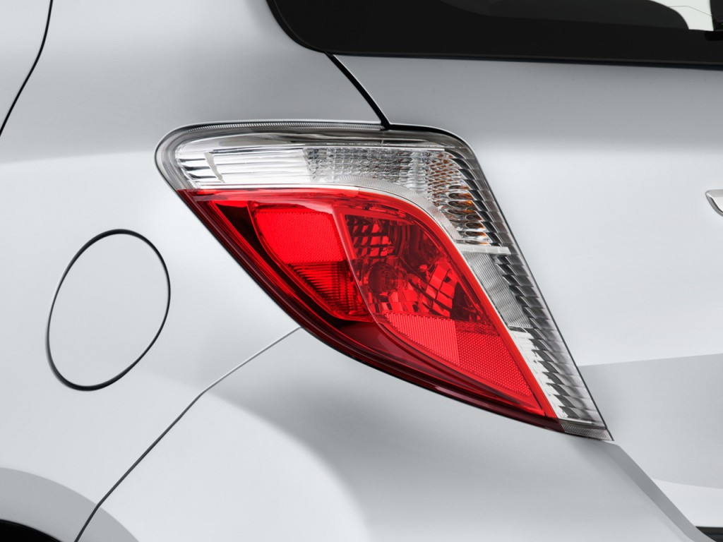 image 2012 toyota yaris 5dr lb auto le natl tail light. Black Bedroom Furniture Sets. Home Design Ideas