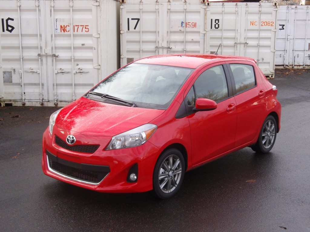 2012 toyota yaris se first drive. Black Bedroom Furniture Sets. Home Design Ideas