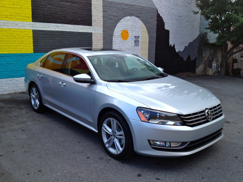 2012 vw passat six month road test wash wax and 40 5 mpg. Black Bedroom Furniture Sets. Home Design Ideas
