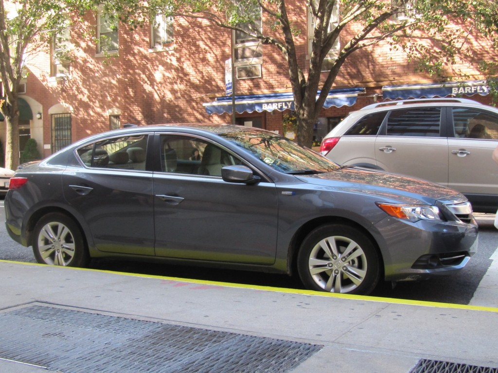 2013 acura ilx pictures photos gallery the car connection. Black Bedroom Furniture Sets. Home Design Ideas