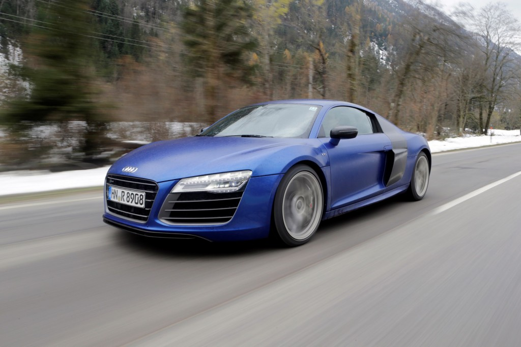 2014 audi r8 pricing edges up dual clutch gearbox on offer. Black Bedroom Furniture Sets. Home Design Ideas