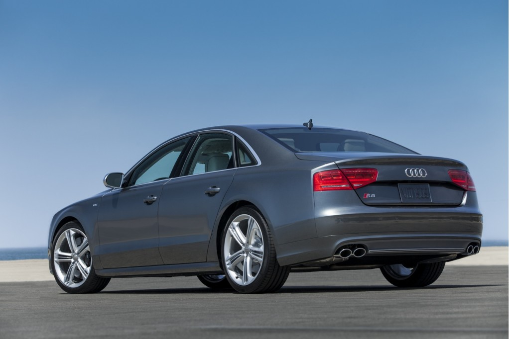 http://images.thecarconnection.com/lrg/2013-audi-s8_100404930_l.jpg