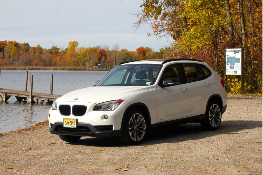 2013 bmw x1 pictures photos gallery motorauthority. Black Bedroom Furniture Sets. Home Design Ideas