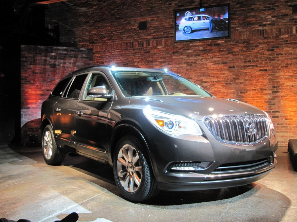 2013 buick enclave new york auto show preview live photos. Black Bedroom Furniture Sets. Home Design Ideas