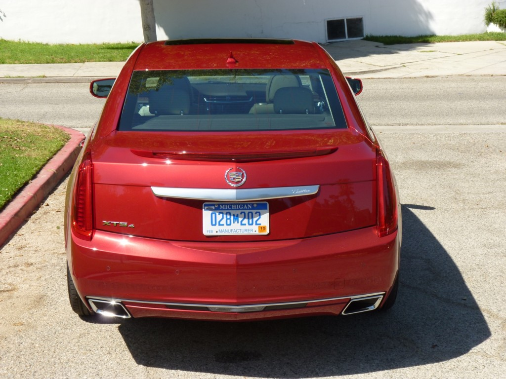 2013 cadillac xts first drive. Black Bedroom Furniture Sets. Home Design Ideas