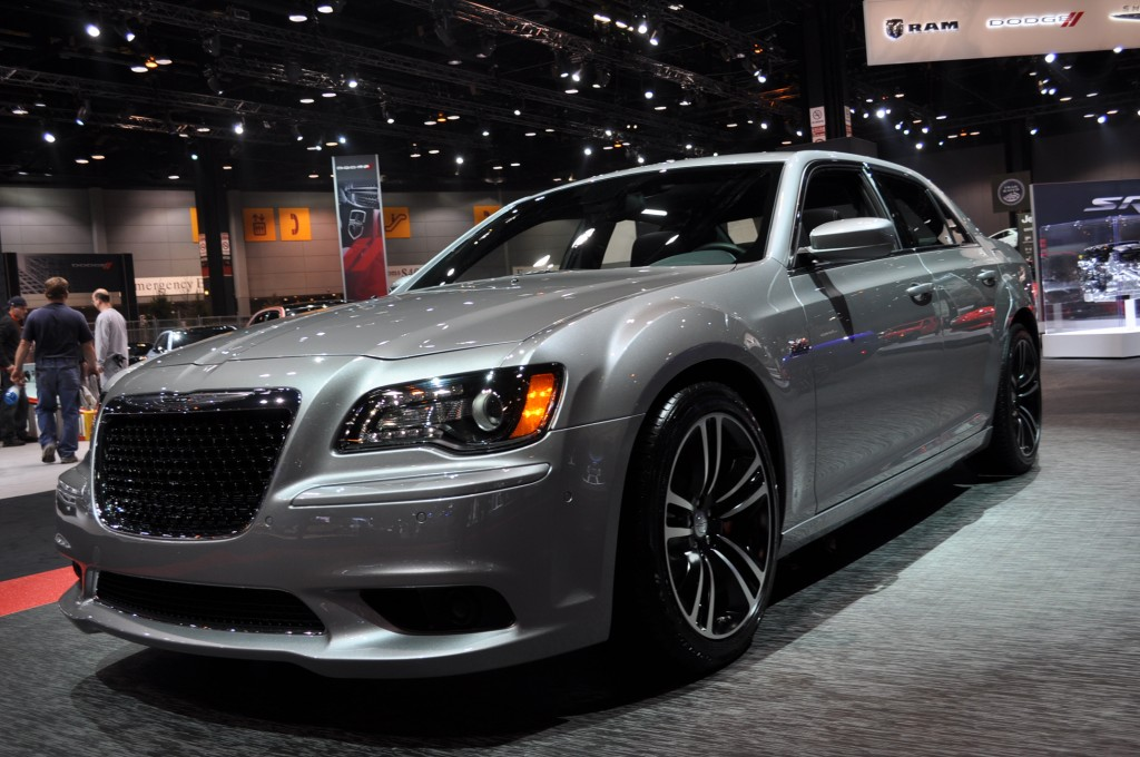 2013 chrysler 300 pictures photos gallery the car connection. Black Bedroom Furniture Sets. Home Design Ideas