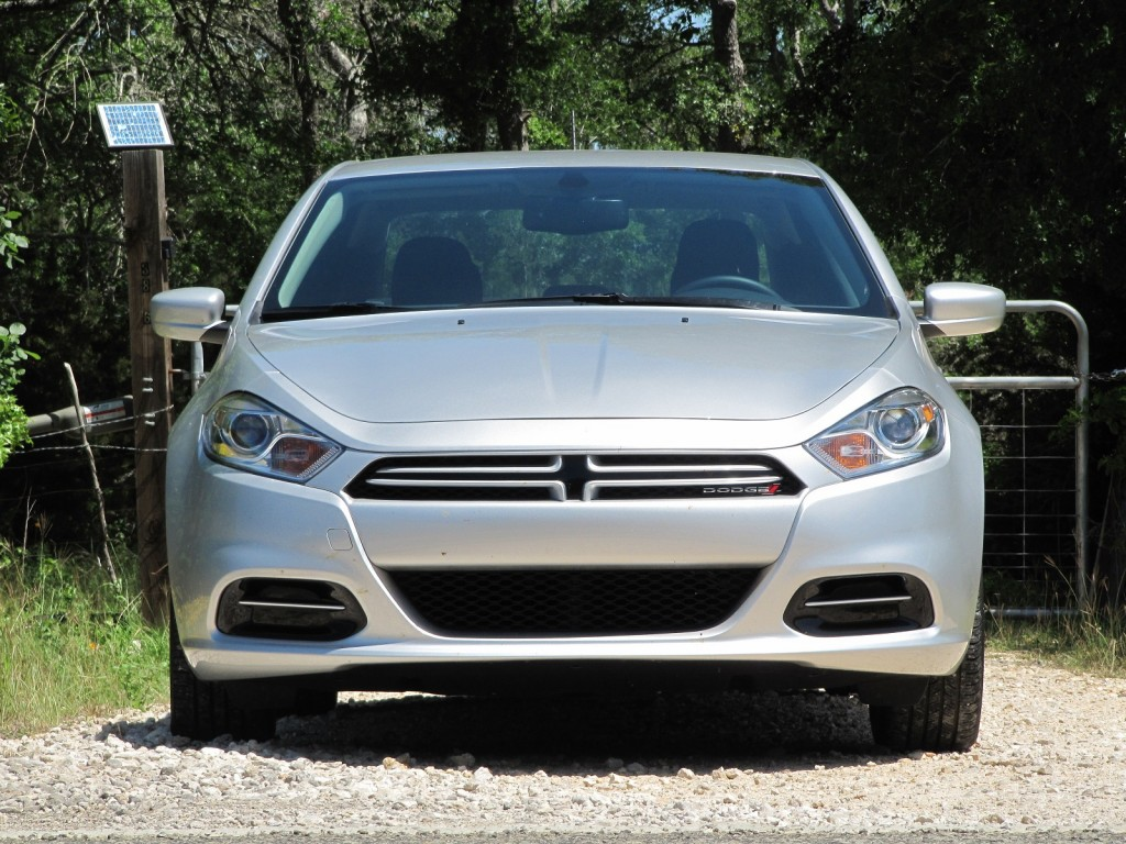2013 dodge dart aero high mileage version of new compact. Black Bedroom Furniture Sets. Home Design Ideas