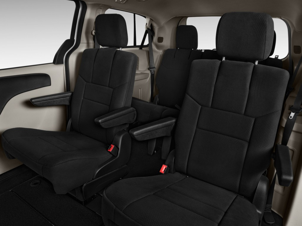 2013 dodge grand caravan pictures photos gallery the car connection. Black Bedroom Furniture Sets. Home Design Ideas