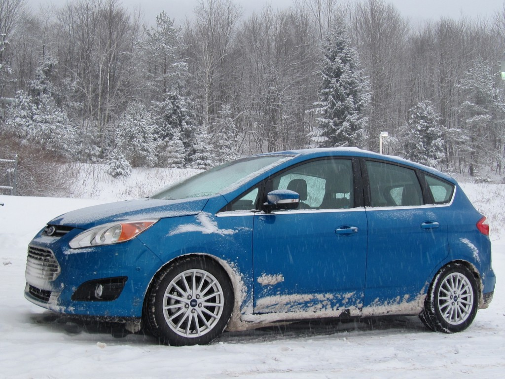 2013 ford c max hybrid winter gas mileage test returns 35 mpg. Black Bedroom Furniture Sets. Home Design Ideas