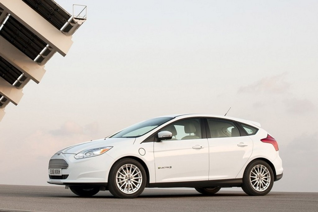2012 2013 ford focus electric 2013 ford c max recalled for software glitch. Black Bedroom Furniture Sets. Home Design Ideas