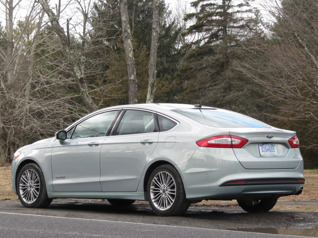 2013 Ford Fusion Hybrid: Quick Winter Gas Mileage Test