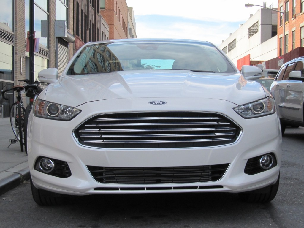 http://images.thecarconnection.com/lrg/2013-ford-fusion_100402808_l.jpg