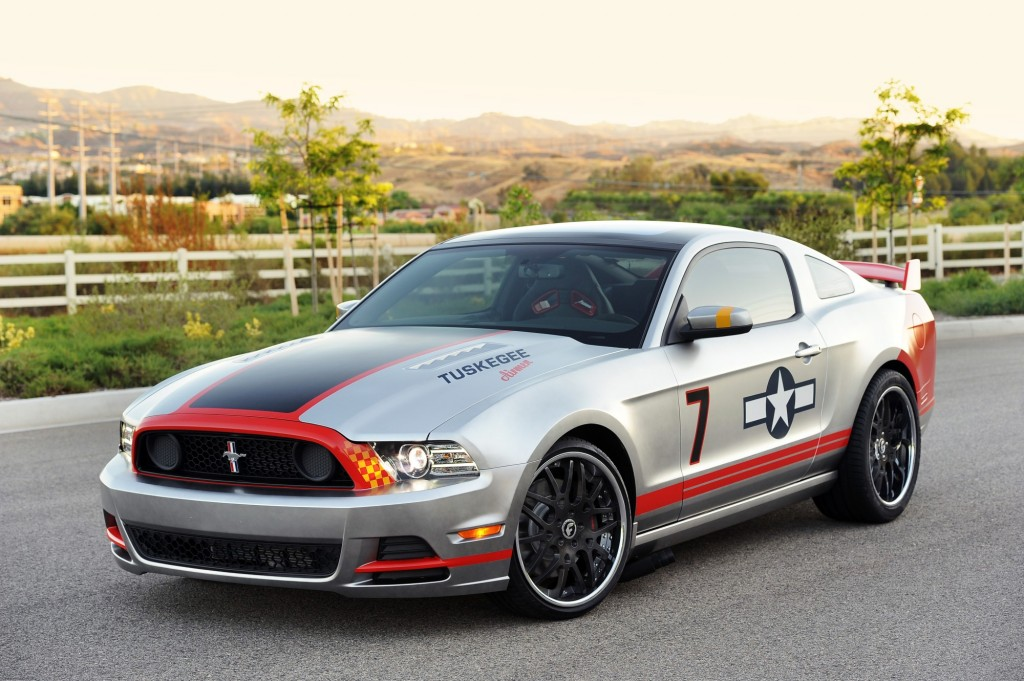 2013 ford mustang gt red tails edition revealed gallery video. Black Bedroom Furniture Sets. Home Design Ideas
