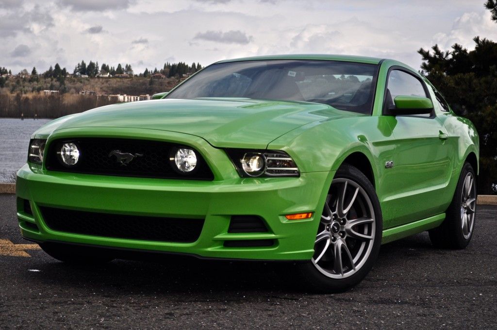 2013 ford mustang first drive. Black Bedroom Furniture Sets. Home Design Ideas