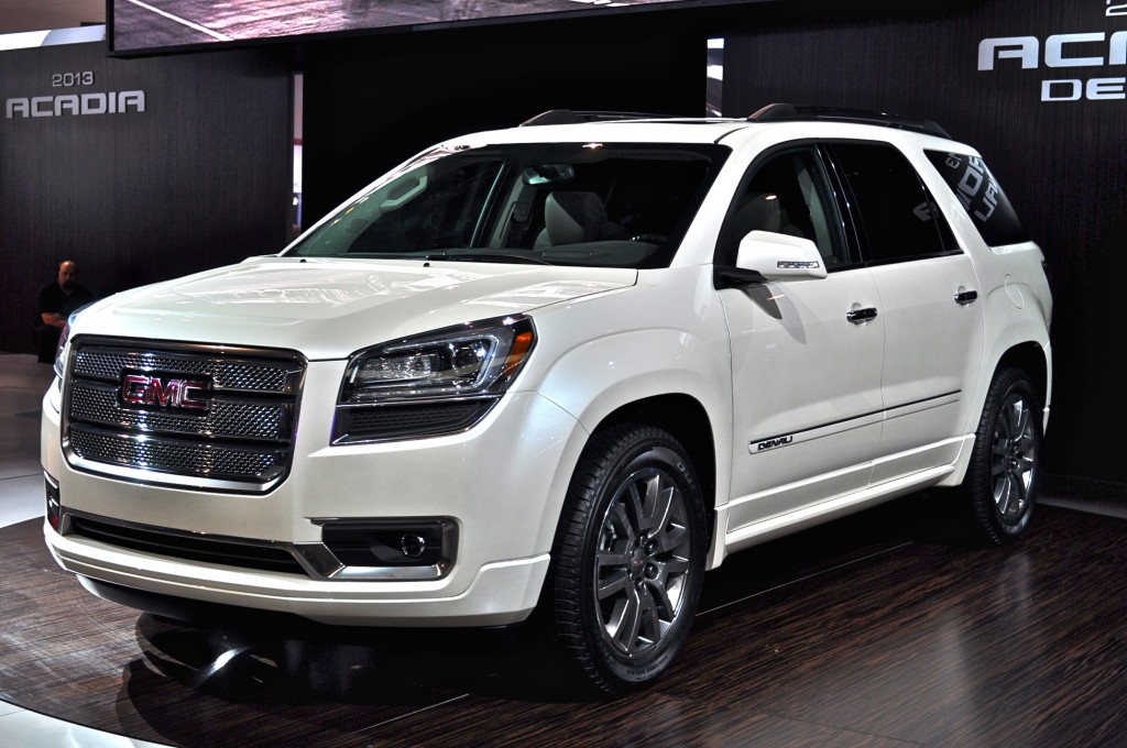 2013 gmc acadia pictures photos gallery the car connection. Black Bedroom Furniture Sets. Home Design Ideas