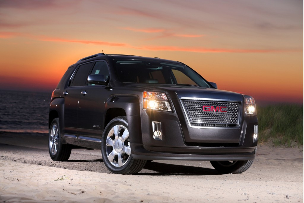 2013 gmc terrain pictures photos gallery the car connection. Black Bedroom Furniture Sets. Home Design Ideas