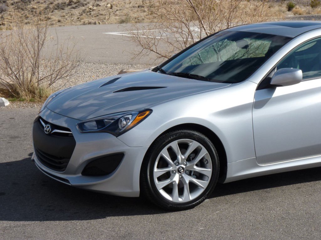 2013 hyundai genesis coupe pictures photos gallery the car. Black Bedroom Furniture Sets. Home Design Ideas