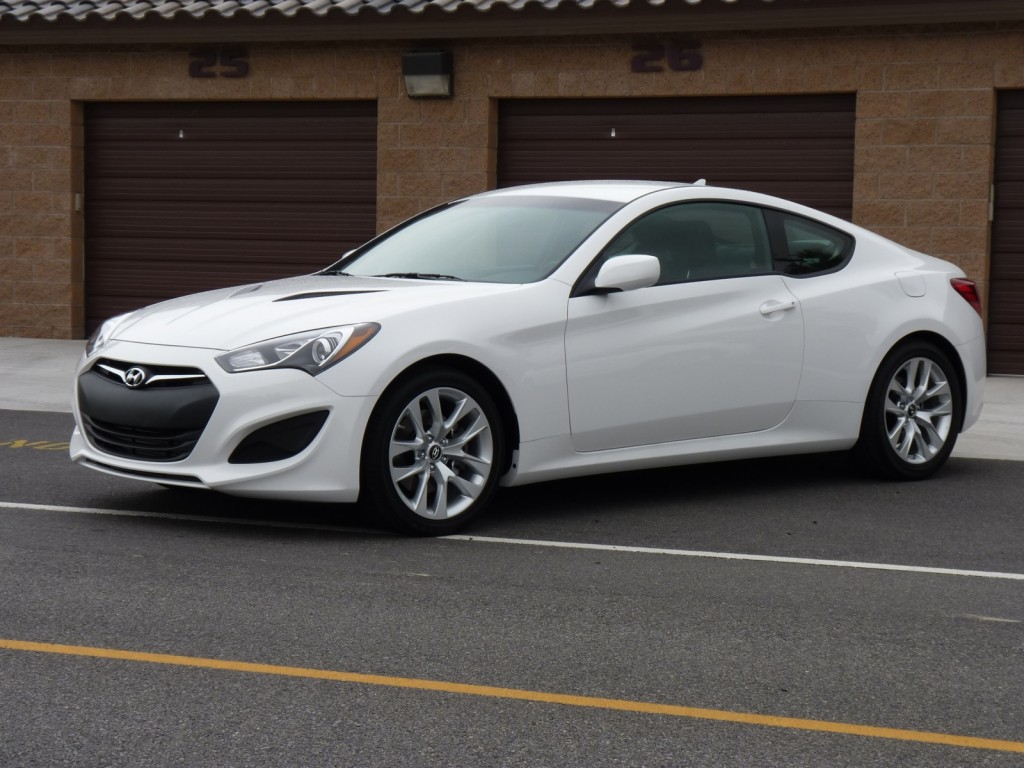 2013 hyundai genesis coupe first drive page 2. Black Bedroom Furniture Sets. Home Design Ideas