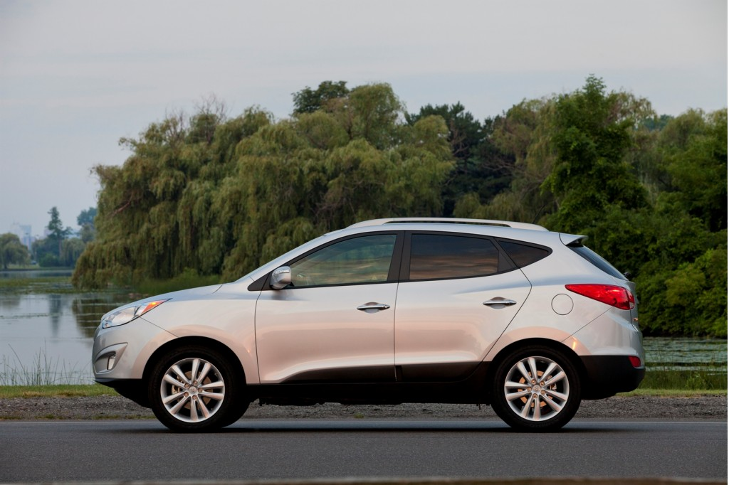 2013 hyundai tucson pictures photos gallery the car connection. Black Bedroom Furniture Sets. Home Design Ideas